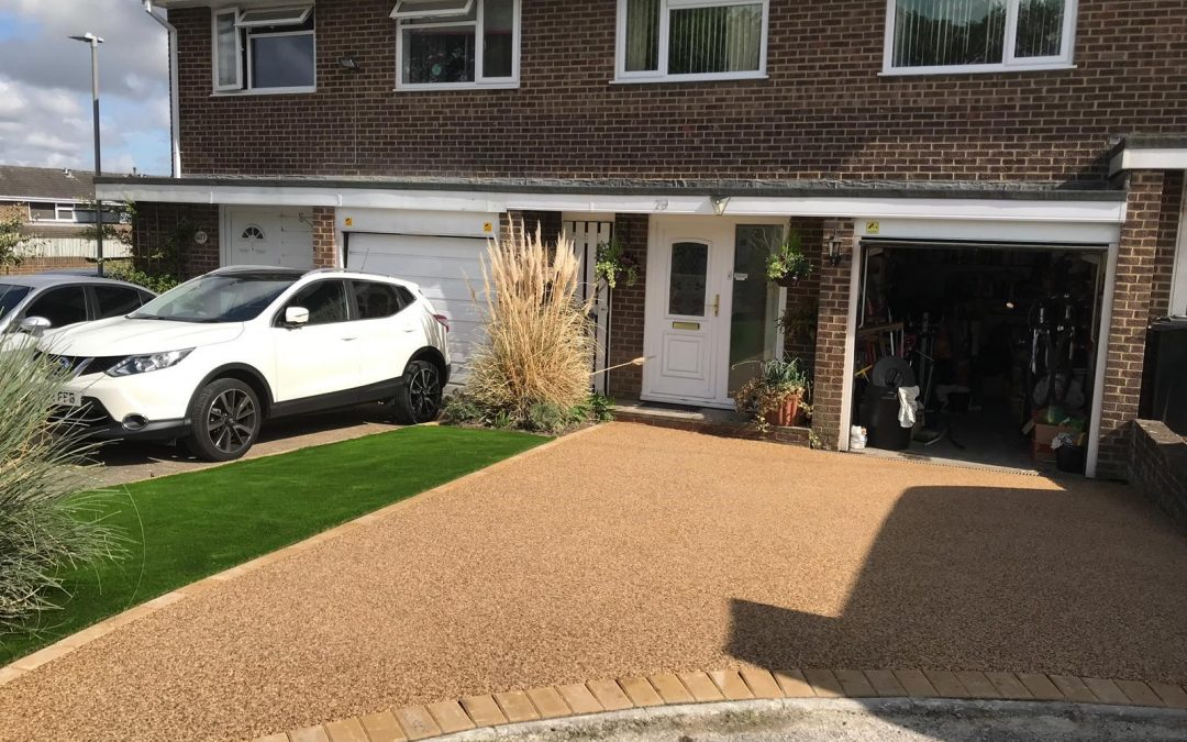 New Resin Surface in Lulworth Blend & Artificial Grass – Merley