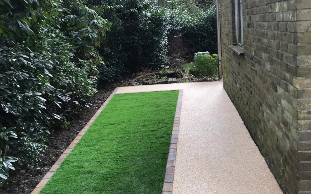 Front & Side Path – Sandy Bay 18mm Resin & Artificial Grass – Ringwood